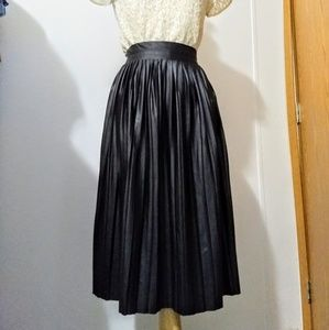 Shimmer accordion pleated skirt